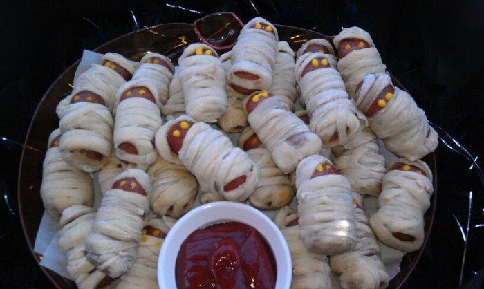 MMM, more mummies